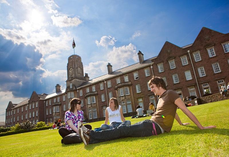 دانشگاه های مورد تایید وزارت علوم در بریتانیا