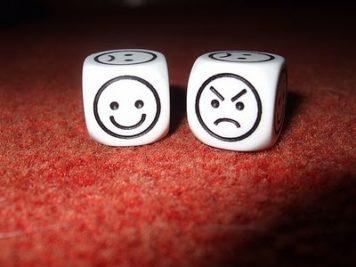 رایج ترین اصطلاحات انگلیسی: عبارات کاربردی برای ابراز خوشحالی و عصبانیت
